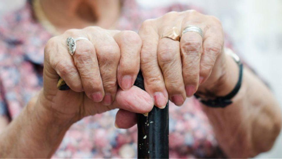 Επίθεση από το ίδιο της το παιδί και την σύζυγό του δέχθηκε μία ηλικιωμένη γυναίκα στο Αγρίνιο κατά την διάρκεια ενδοοικογενειακού διαπληκτισμού